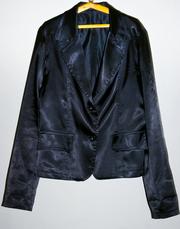 Продаю женский черный атласный пиджак. 80 грн,  Размер M