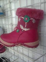 Распродажа  детской фабричной обуви для  девочек .
