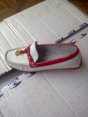 Распродажа  детской фабричной обуви для  девочек..