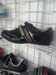 Качественные  закрытые  туфли на девочку
