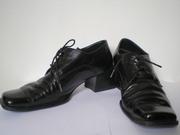 продаю туфли натур.кожа лак черный цвет,  р.38 хорошее  состояние 100гр
