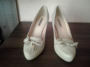 Продам  женские туфли  36  размера