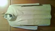 женское кожаное пальто цвета слоновой кости 400 грн.