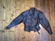 Женская одежда-кожаная курточка