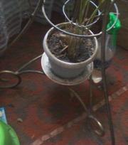 Напольная подставка  для вазонов