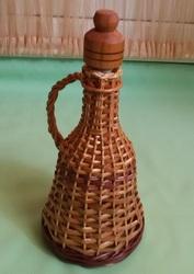 Продам бутылку для вина оплетенную лозой