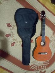 Продается акустическая гитара Valencia CG170