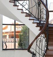 Лестница металлическая кованая для дома прямая или винтовая