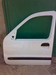 Продаю левую водительскую дверь на RENAULT KANGOO